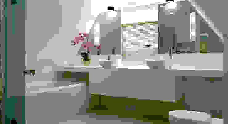 badkamer op zolder met badmeubel en spiegels op maat van Stefania Rastellino interior design