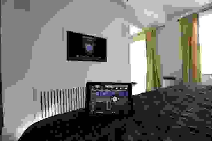 Crestron Installation in South Kensington, London Custom Controls Kamar Tidur Modern
