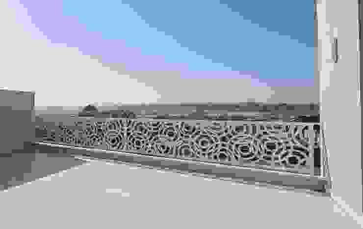 Balustrade for outdoor terrace by Metallica Steel Modern Metal