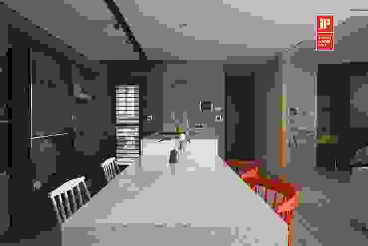 Modern dining room by 禾光室內裝修設計 ─ Her Guang Design Modern