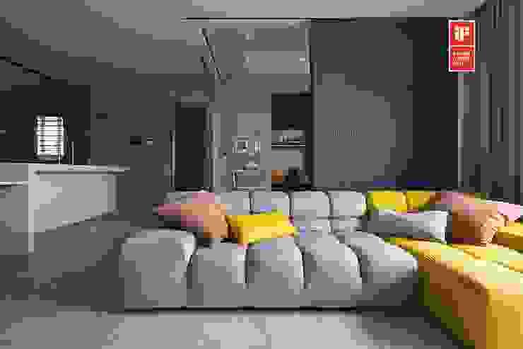 Soggiorno moderno di 禾光室內裝修設計 ─ Her Guang Design Moderno