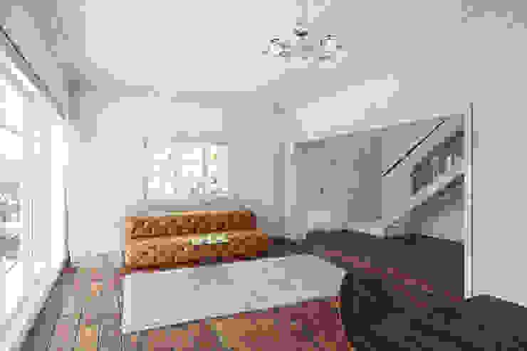 Lounge by 7Storeys Minimalist