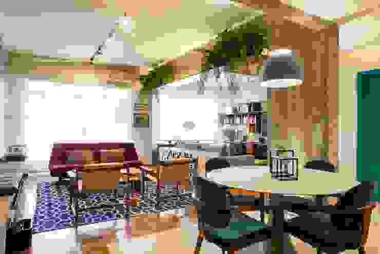 Apartamento Frei Caneca Marcella Loeb Salas de jantar modernas Madeira