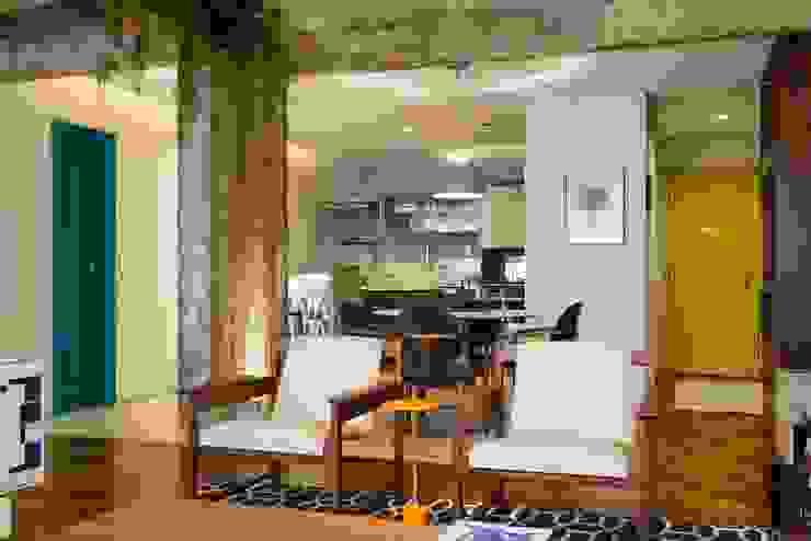 Apartamento Frei Caneca Marcella Loeb Salas de estar modernas