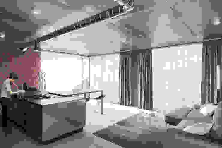 Living Space 2 Minimalist living room by 7Storeys Minimalist