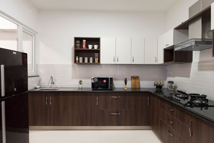 Completed Modular kitchen designs by HomeLane.com Classic