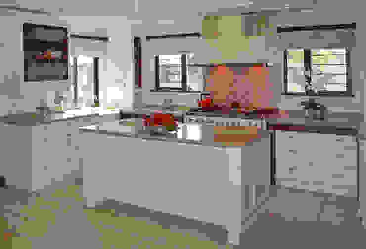 Kitchen Design : modern  by Nukitchen Interiors, Modern Engineered Wood Transparent