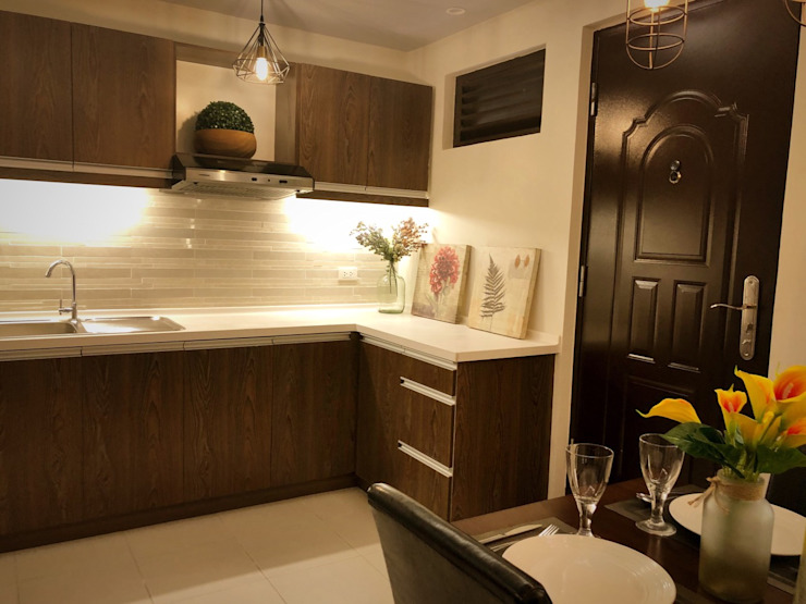 SNS Lush Designs and Home Decor Consultancy Built-in kitchens White