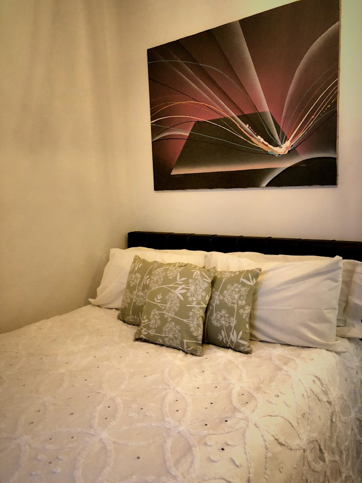 SNS Lush Designs and Home Decor Consultancy Eclectic style bedroom White