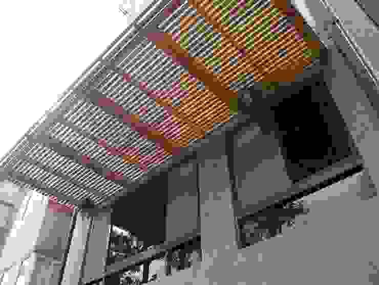 內湖康寧丁公館 現代房屋設計點子、靈感 & 圖片 根據 第宅空間設計 現代風
