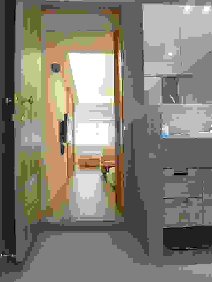 內湖康寧丁公館 現代浴室設計點子、靈感&圖片 根據 第宅空間設計 現代風
