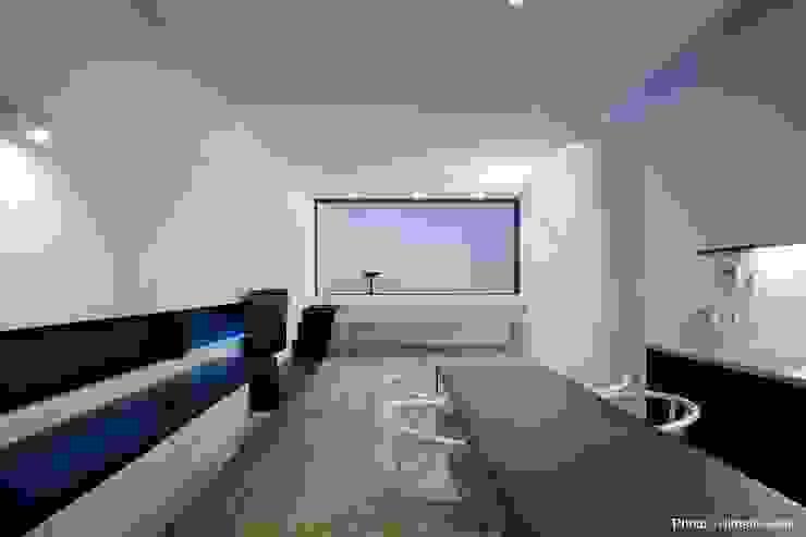Minimalist living room by 石川淳建築設計事務所 Minimalist Wood Wood effect