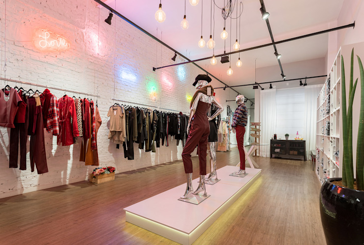 Euforia Fashion Edifícios comerciais modernos por Studio Ideação Moderno Tijolo