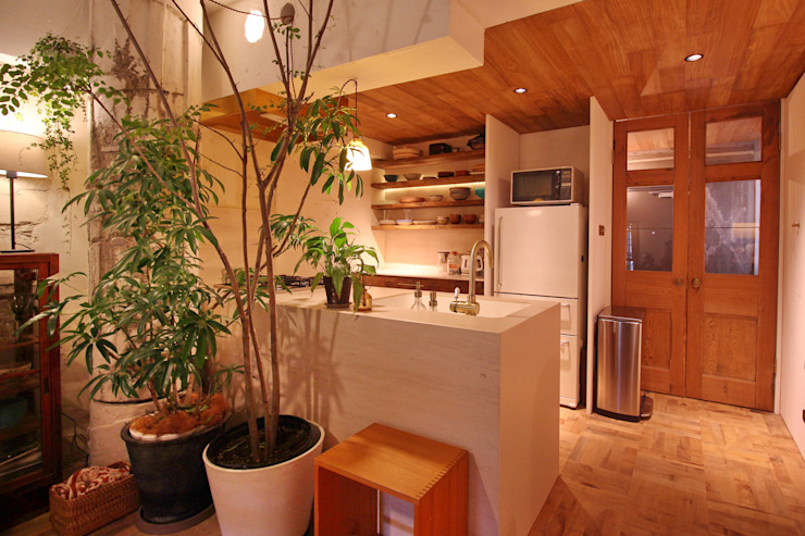 Mimasis Design/ミメイシス デザイン Cocinas de estilo rústico Mármol Blanco