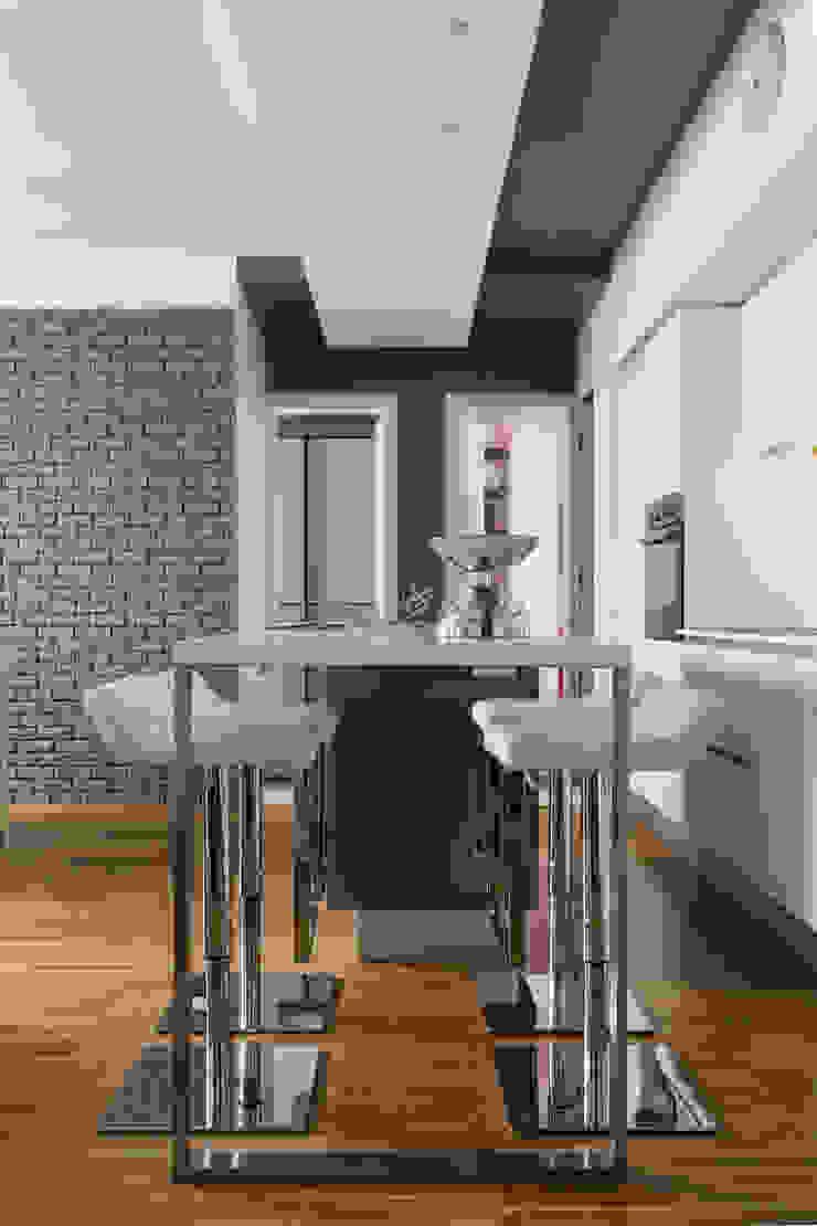 a2 Studio Borgia - Romagnolo architetti Modern kitchen