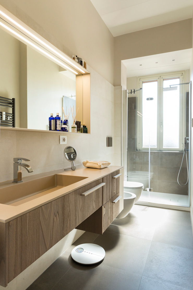 Modern Bathroom by a2 Studio Borgia - Romagnolo architetti Modern