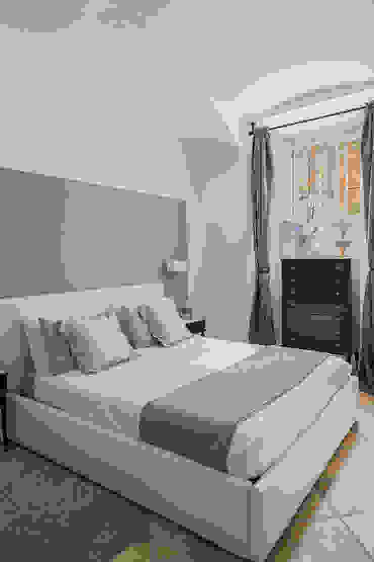 CASA VACANZA SAN GIOVANNI Camera da letto moderna di a2 Studio Borgia - Romagnolo architetti Moderno