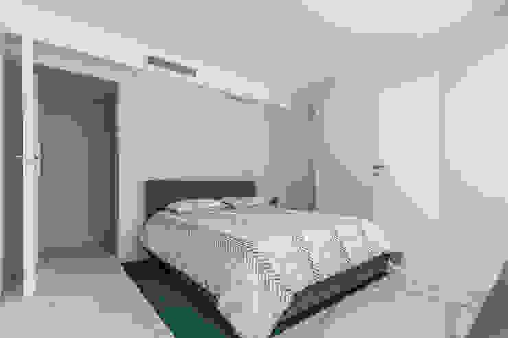 Grand Europa II Modern Bedroom by Design Group Latinamerica Modern