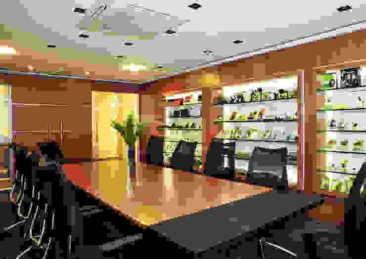Enzo Sobocinski Arquitetura & Interiores Commercial Spaces Wood Black