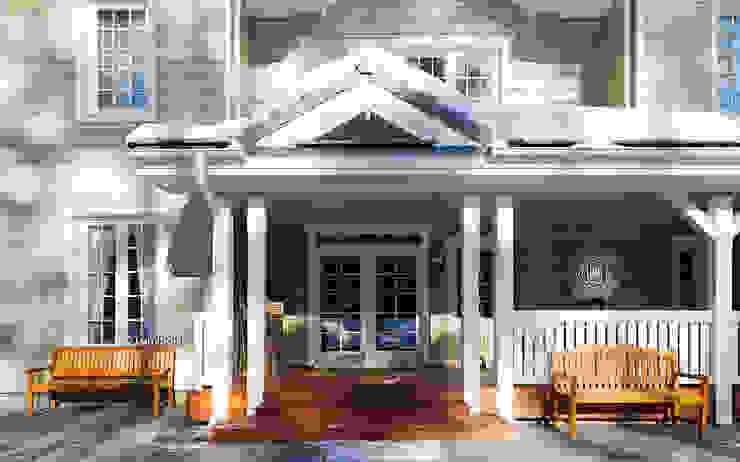 Входная дверь с террасой: Дома с террасами в . Автор – LUMI POLAR,