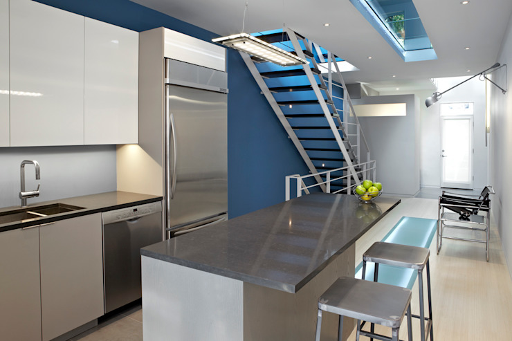 See-Through House Modern Kitchen by KUBE architecture Modern