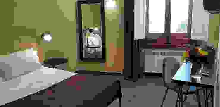 Sette magnifiche Camere con Sette splendidi Bagni Camera da letto moderna di Studio Bennardi - Architettura & Design Moderno