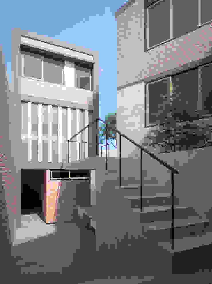 Casa ''Los Crisantemos' Casas modernas: Ideas, diseños y decoración de Artem arquitectura Moderno