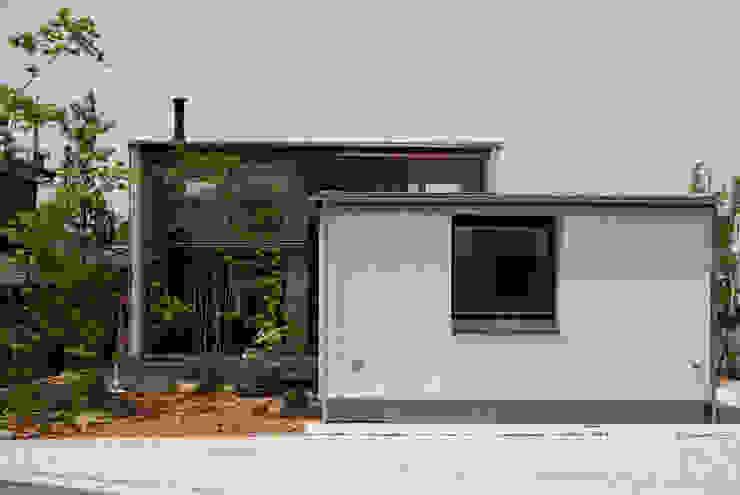 Rumah Gaya Skandinavia Oleh kisetsu Skandinavia