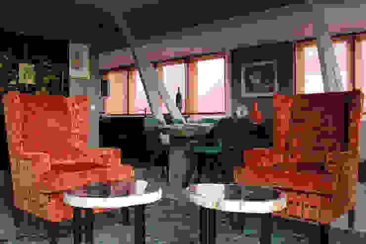 Alex Janmaat Interieurs & Kunst Salas de estilo rural Naranja
