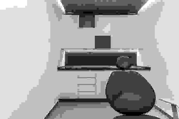 Consultorio Ondontológico by Design Group Latinamerica Modern