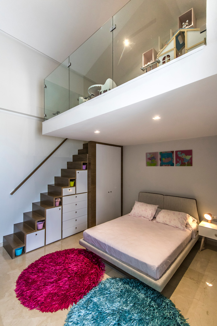 Habitación de las niñas - Circulación vertical de Design Group Latinamerica Asiático Madera Acabado en madera