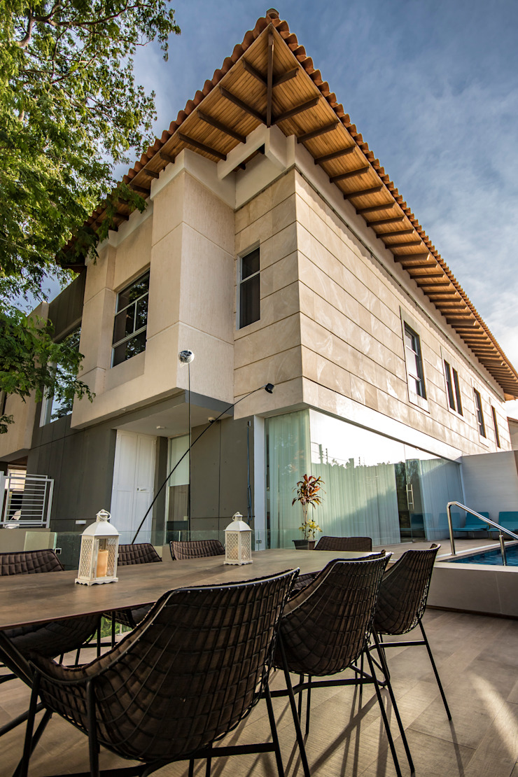 Terraza de Design Group Latinamerica Ecléctico Piedra