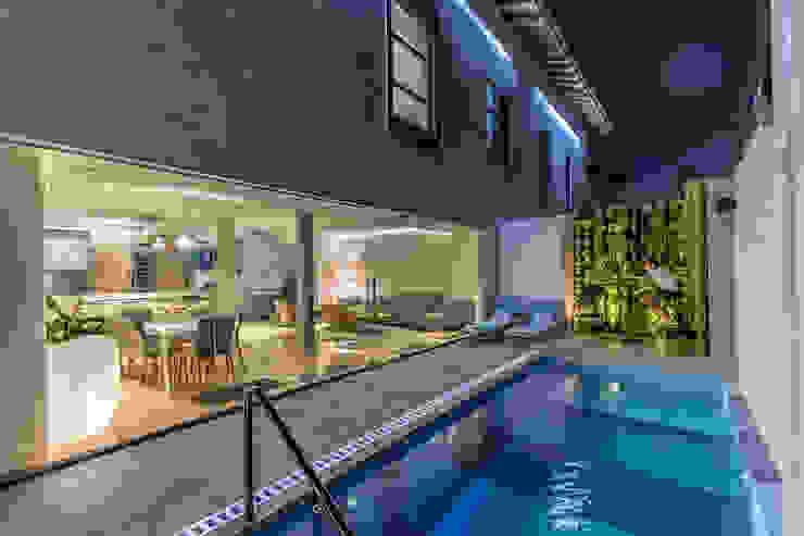 Iluminación Exterior Casas modernas de Design Group Latinamerica Moderno Vidrio