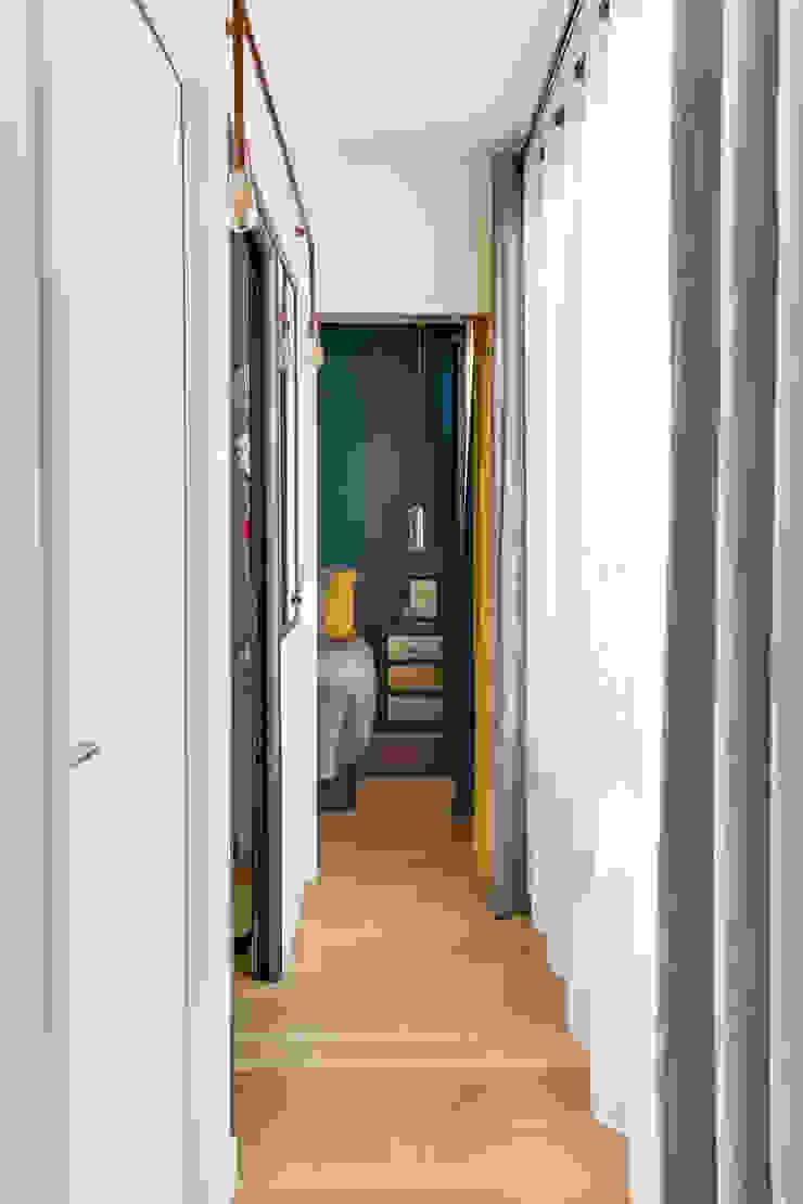Anne Lapointe Chila Pasillos, vestíbulos y escaleras de estilo moderno
