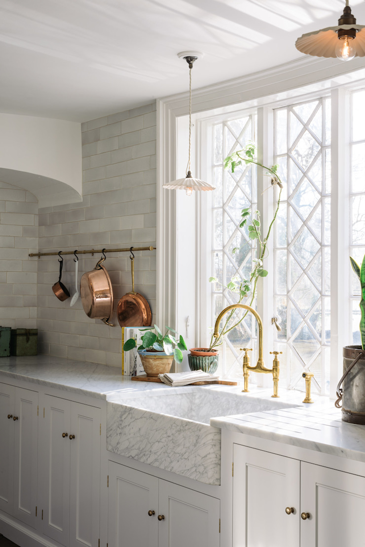 The Mill House Kitchen by deVOL by deVOL Kitchens Mediterranean Marble