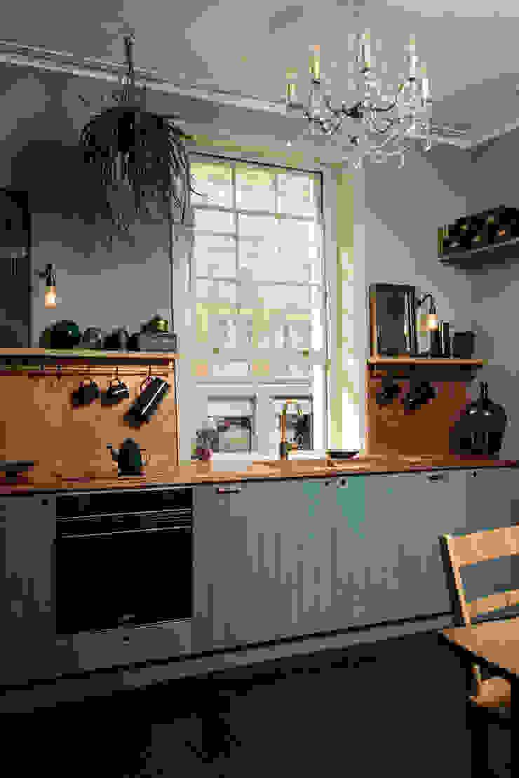 The Sebastian Cox Kitchen at St. John's Square by deVOL Modern Kitchen by deVOL Kitchens Modern Wood Wood effect