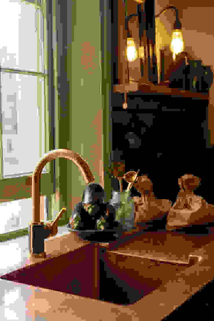 The Sebastian Cox Kitchen at St. John's Square by deVOL Modern Kitchen by deVOL Kitchens Modern Copper/Bronze/Brass