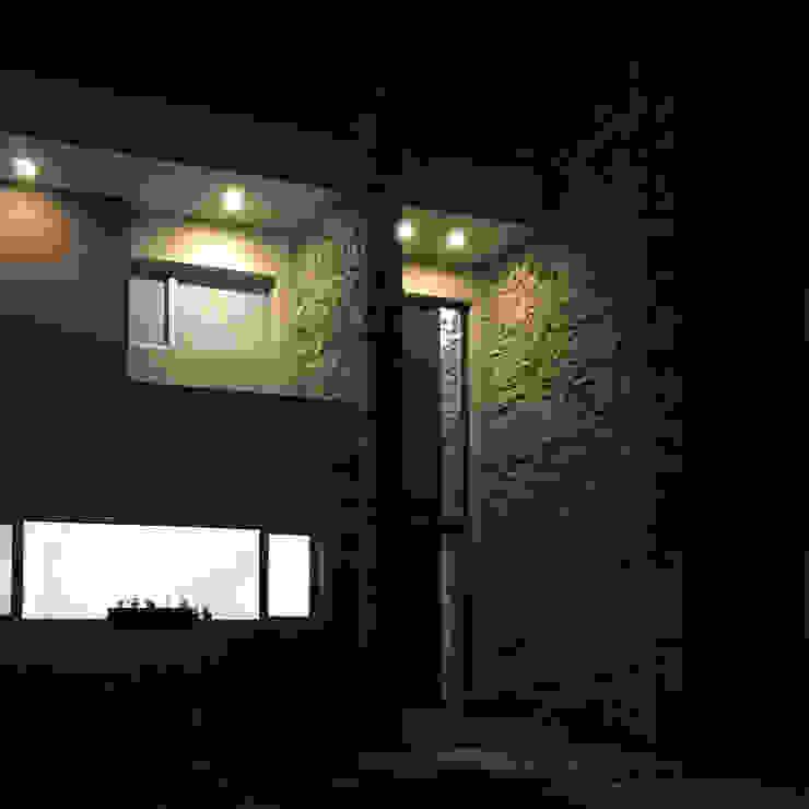 Casa en San Benito Casas estilo moderno: ideas, arquitectura e imágenes de Estudio Enlace Moderno Piedra