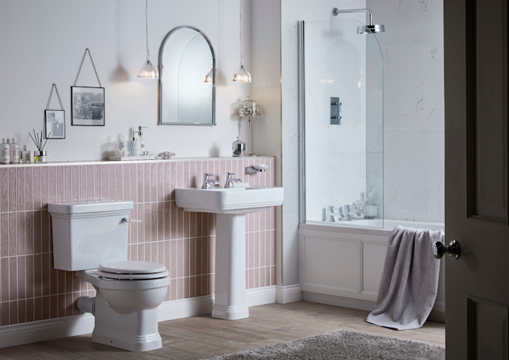 Wynwood suite Classic style bathroom by Heritage Bathrooms Classic