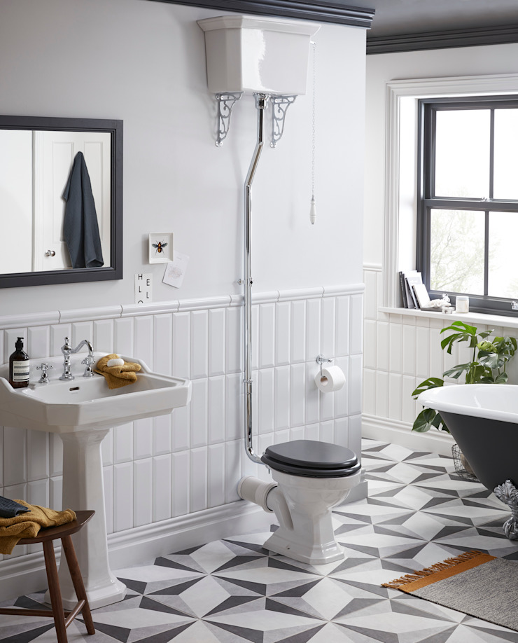 Granley high level WC Classic style bathroom by Heritage Bathrooms Classic