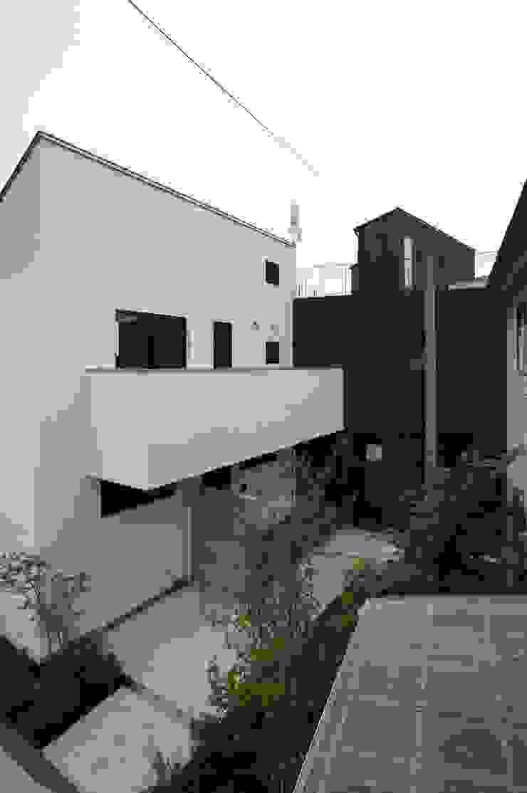 一級建築士事務所A-SA工房 Condomínios Branco