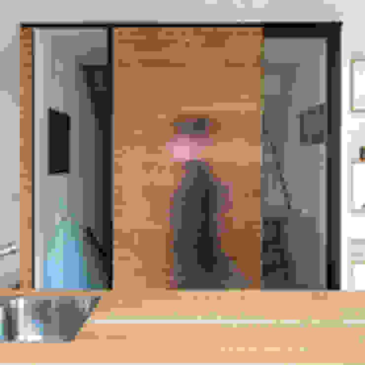 De nieuwe schuifdeur by B1 architectuur Modern Plywood