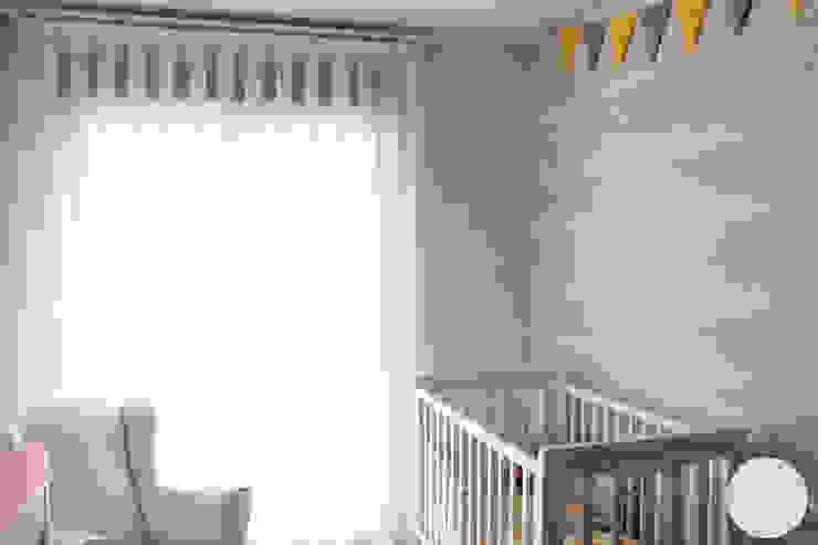 Adosado en CS. Habitación infantil de homify Moderno Madera Acabado en madera