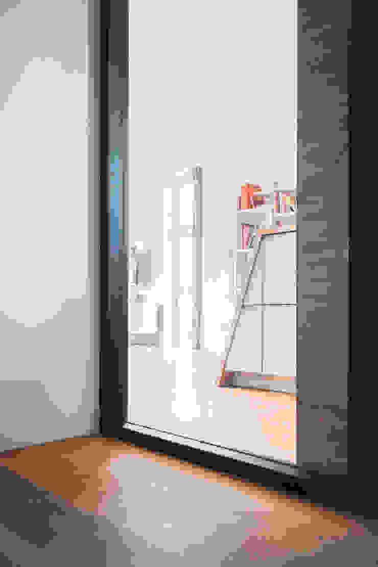 Complete make-over woonkamer en keuken by B1 architectuur