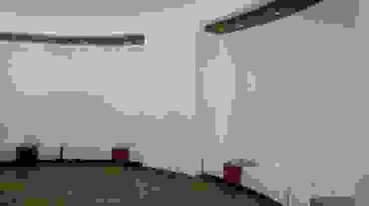 FEDEARROZ Pasillos, vestíbulos y escaleras de estilo moderno de arquitectura sostenible colombia Moderno Concreto