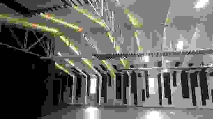 FEDEARROZ Bodegas de estilo ecléctico de arquitectura sostenible colombia Ecléctico