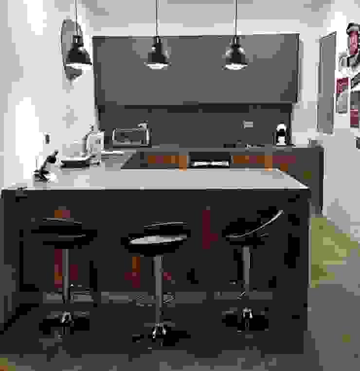 Ambiente de Cocina de TRES52 S.A.S Moderno Aglomerado