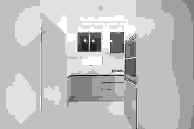 Modern kitchen by 바나나웍스 Modern