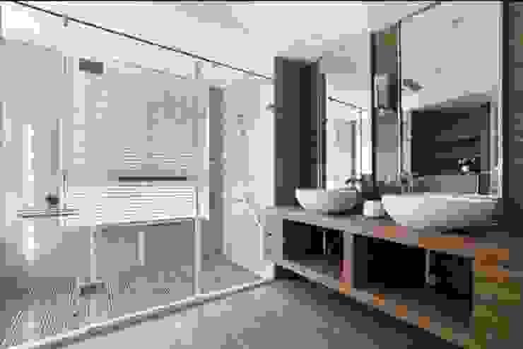 人文自然派的no.229舍 現代浴室設計點子、靈感&圖片 根據 喬克諾空間設計 現代風
