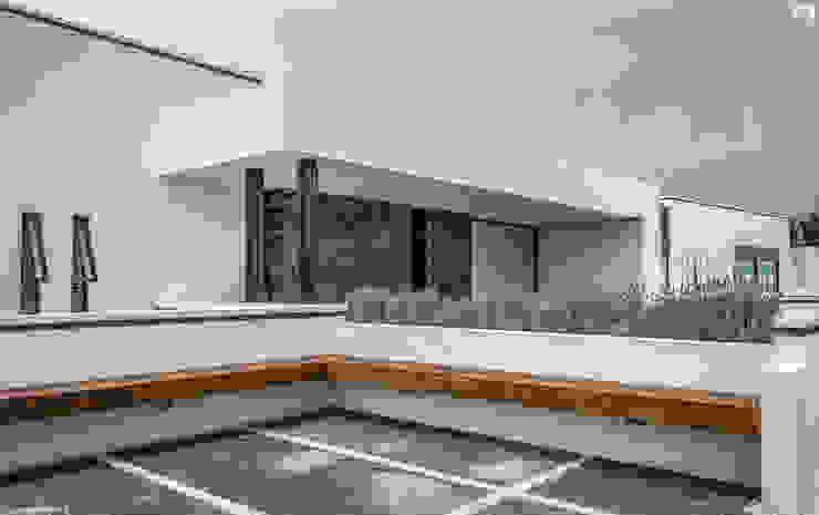 PROYECTO V-17: Terrazas de estilo  por ARQDUO